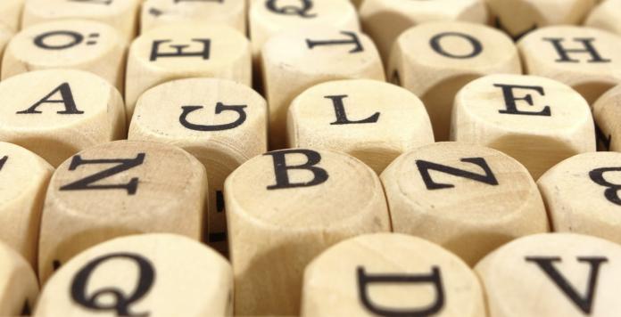 blokjes met letters erop